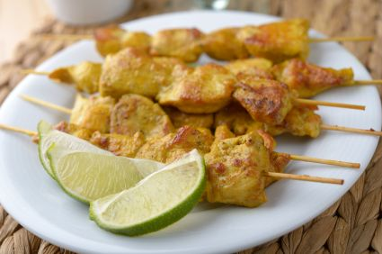 Chicken Satay with Peanut Dipping Sauce - Coconut milk, honey, and a touch of spice make this Thai appetizer a delicious snack or light lunch. #BigGame #TeamBeachbody
