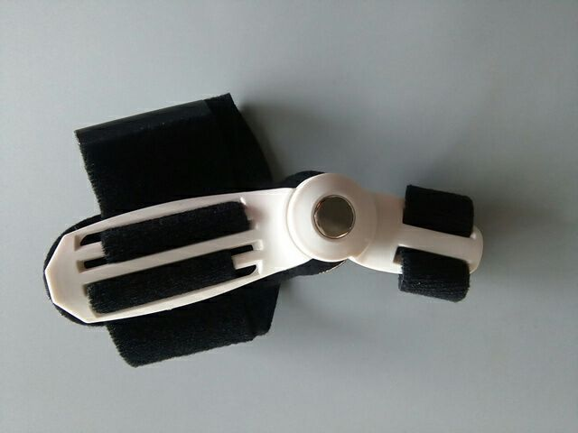 1 Piece Hallux Valgus Orthotics Big Toe Bone Splint Straightener Toe Separator Foot Pedicure Device Foot Care Corrector