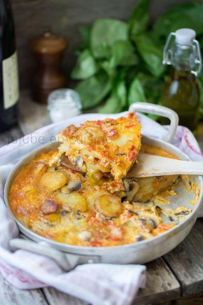 Omelette aux pommes de terre comme une tortilla espagnole