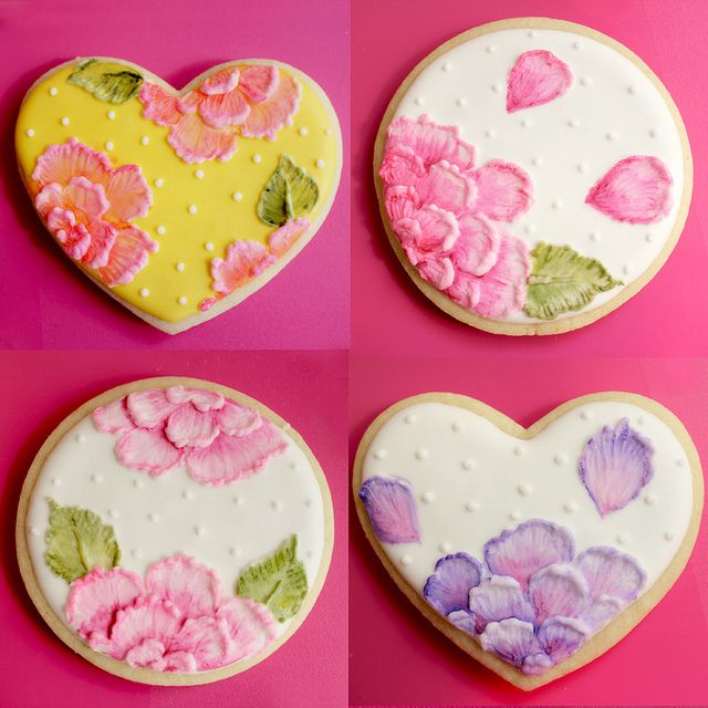 Brush Embroidery Cookies. - love the use of additional colors to give definition!