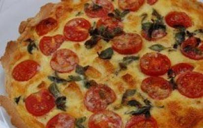 Quiche di pomodorini al prosciutto cotto - Una quiche di pomodorini e prosciutto cotto per variare le solite ricette di torte salate. Questa ricetta è ottima accompagnata da una birra bianca, come la Colomba.