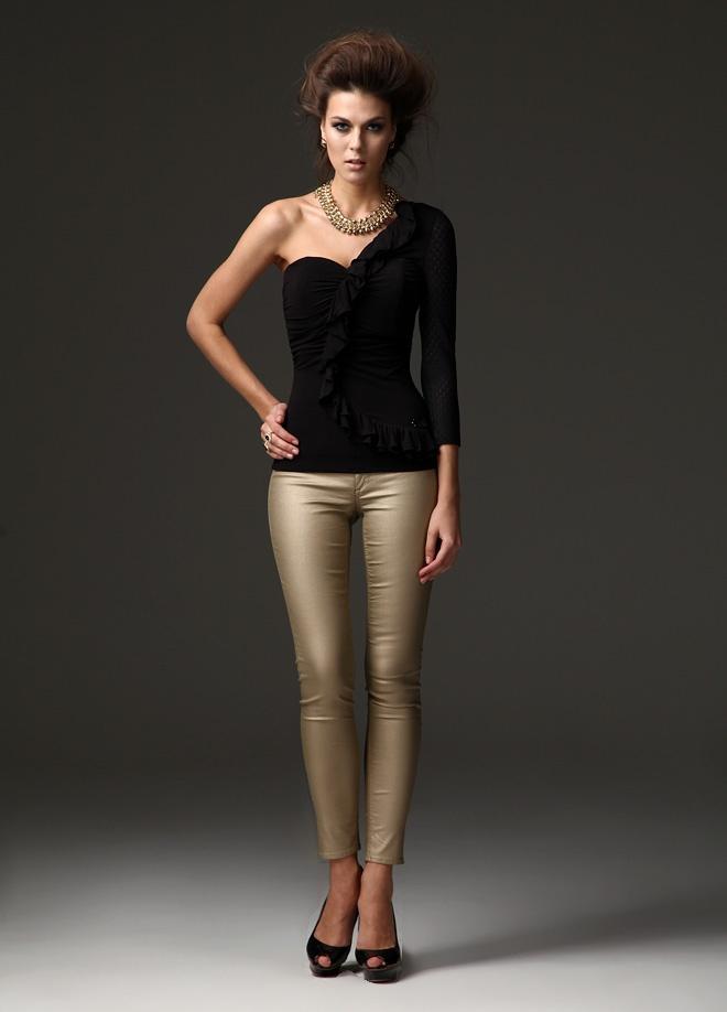 Ciolla Bluz Markafoni'de 195,90 TL yerine 33,99 TL! Satın almak için: http://www.markafoni.com/product/3048972/