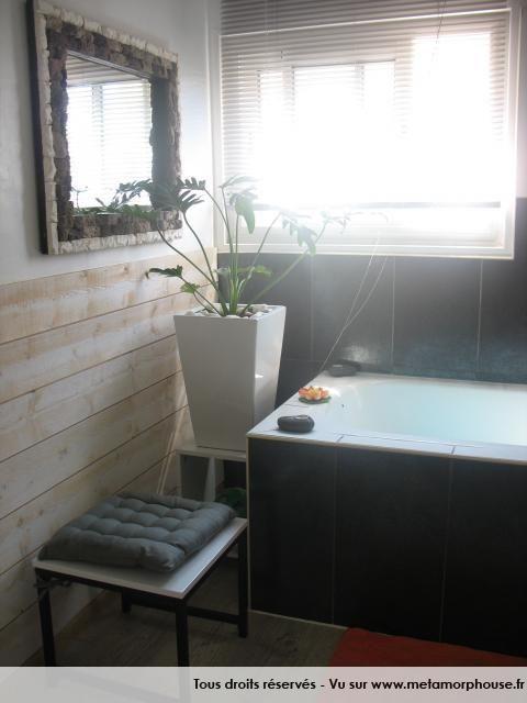 d coration de salle de bain noir eb ne blanc baignoire. Black Bedroom Furniture Sets. Home Design Ideas