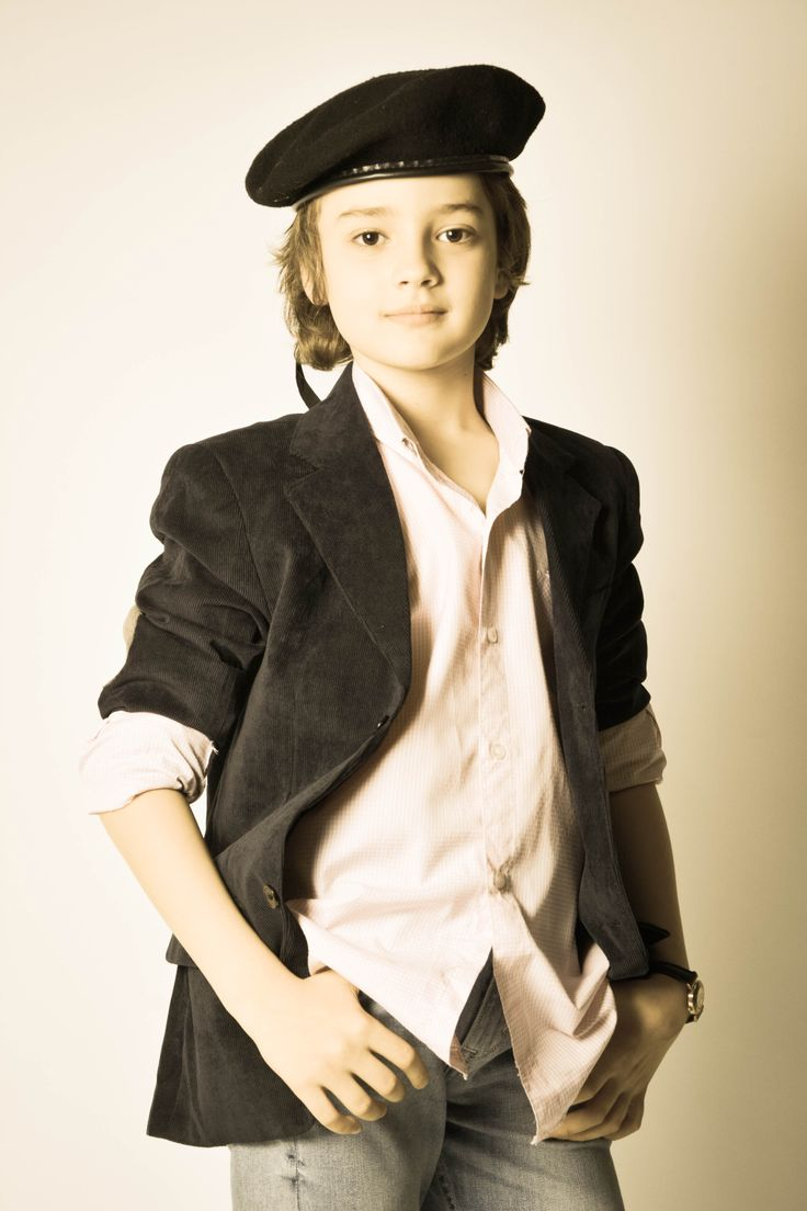 Academia show  Model : Lucian