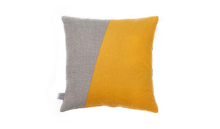 die besten 10 ideen zu orange kissen auf pinterest. Black Bedroom Furniture Sets. Home Design Ideas