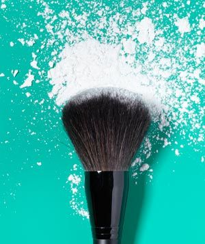 Makeup can last all day by using cornstarch as makeup protector. Mix it with a bit of foundation and your face stays dry and non-greasy all day!Cornstarch, Stay Dry, Face Stay, Minerals Veils, Praise God, Ur Face, Makeup Protector, Hair Makeup, Non Greasy