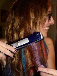 Haar kleuren met pastel krijt. Nice.