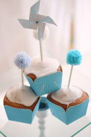 Per questi mini plumcake non c'è bisogno delle fruste elettriche e neanche della bilancia si misurano gli ingr...