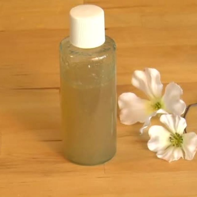 Recipes for a Home Remedy for Age Spot Remover (Aloe Vera gel + ACV + lemon juice + Frankincense EO)