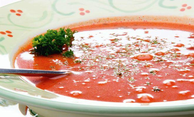 Se você quer uma sopa leve e deliciosa para o dia a dia, então o gaspacho é a escolha perfeita