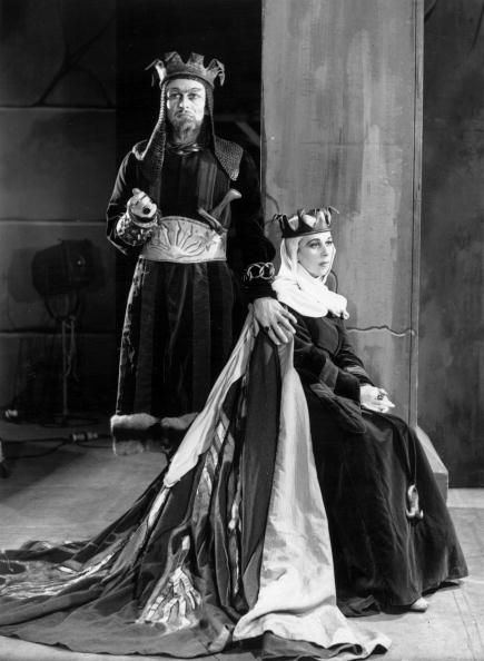 william shakespeare and lady macbeth Comprehensive information on shakespeare's macbeth,  macbeth: q & a  why is lady macbeth's reading of the letter in prose.