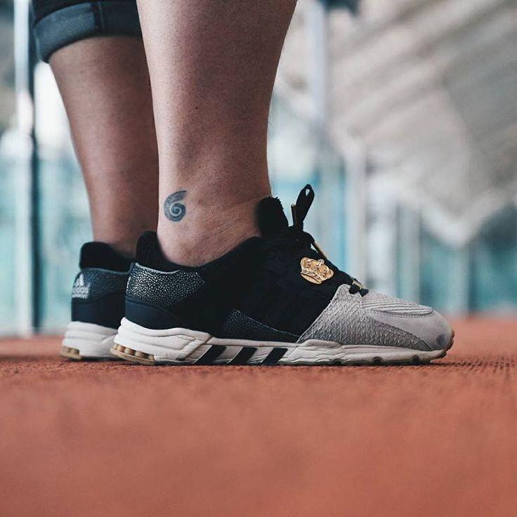 Kovkou: Au revoir Paris, it's been a pleasure as always! ☁🗼🔥On my feet miadidas EQT Running Support 93 Premium with awesome #Shoeclipper from @footshop #shoeclipper #miadidas #eqtgame #dnesobuvam #dnesnosim #dnesnikicks #kotd #sadp #wdywt #hskicks #womft #nicekicks #sneakerheaduk #sneakersmag #dreamsneakers #sneakerfreaker #sneakerfreakerfam #klekttakeover #lacedupshots #instakicks #kickstagram  @shoeclipper