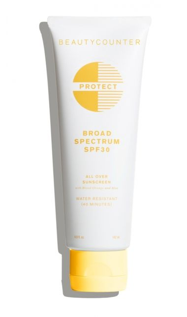 Created with the entire family in mind, this lightweight, water-resistant sunscreen is formulated with non-nano zinc oxide to blend seamlessly into skin without leaving white streaks, protecting you against both UVA and UVB rays. Aloe helps hydrate skin, while antioxidant-rich green tea and blood orange extracts fight free radicals.