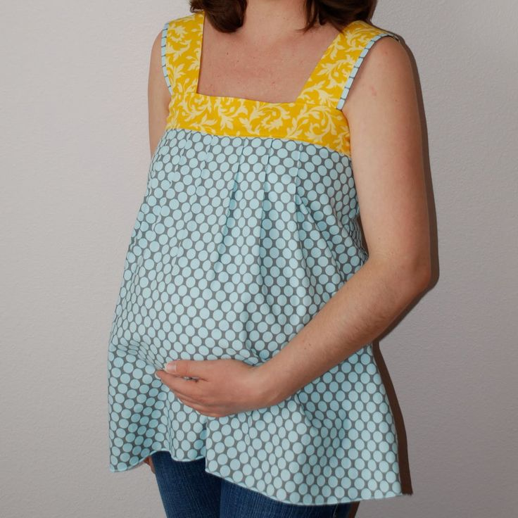 Guest Blogger: KellyLeaSews' Maternity Top Tutorials