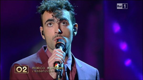 Sanremo 2013, Marco Mengoni nella terza serata con il brano L'essenziale: foto e video