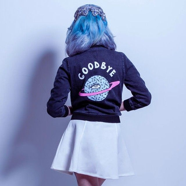 Goodbye to bad vibes  Valfre.com #valfre  @mynxiiwhite