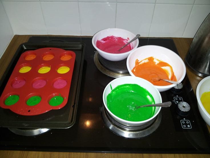 Baking a polka dot cake ☀