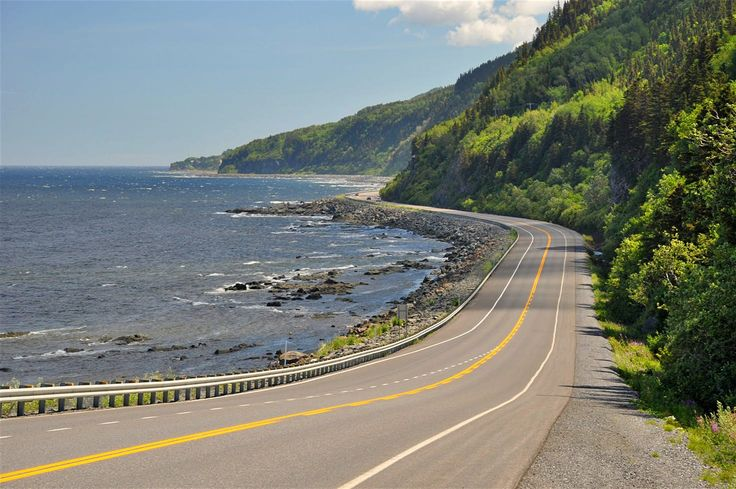 Highway 132 at the coast of Saint Lawrence River – one of the most scenic stretches of the Gaspésie Tour © Mrpluck / Getty Images