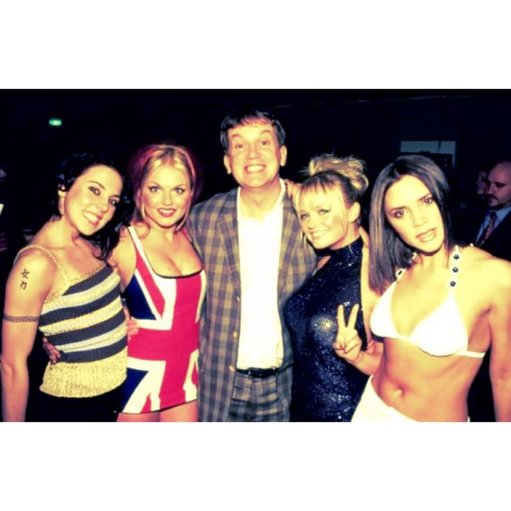 """""""Melanie C, Geri, Emma and Victoria backstage at the Brit Awards with Frank Skinner in London on February 24th, 1997! ✌️ #spicegirls #spice…"""""""