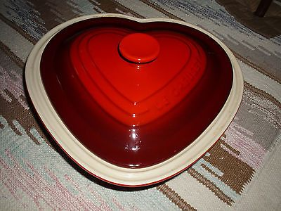 Le Creuset Red Heart Shaped 2.4 Quart Casserole Pan / Dish with Cover