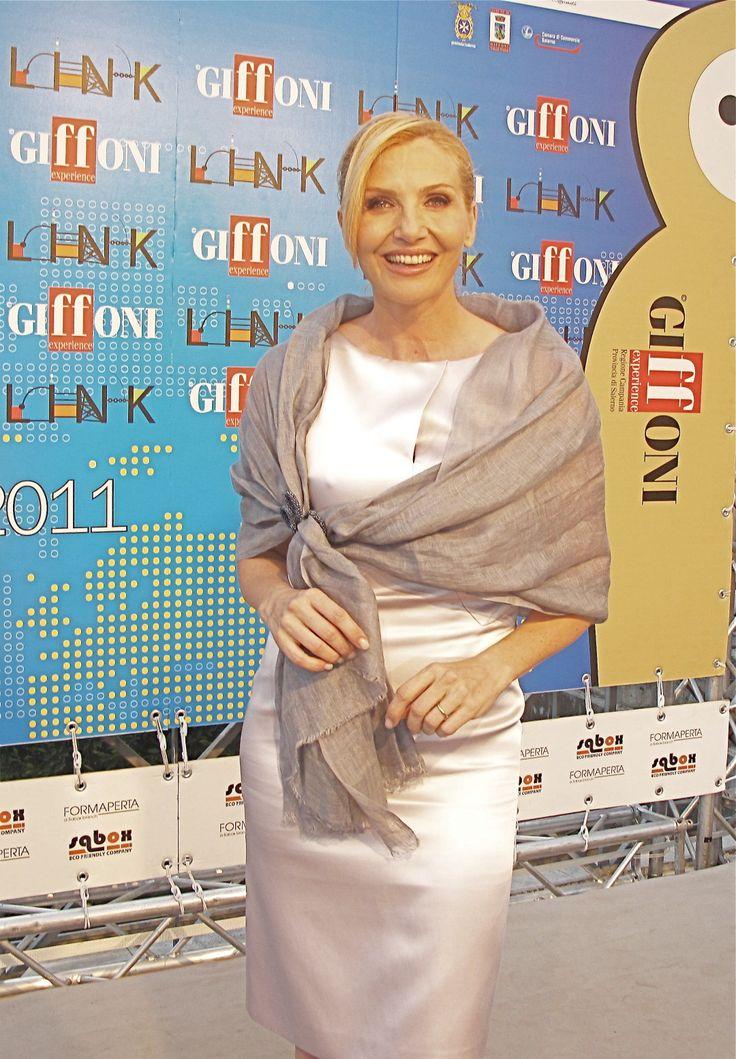 Lorella Cuccarini - Stola gioiello in lino Gianmarco Russo