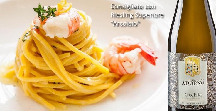 La ricetta del mese di Maggio : Spaghetti alla chitarra di pasta fresca al limone con gamberi viola e timo.  Clicca sul link per leggere la ricetta e il vino consigliato.  http://www.marcheseadorno-wines.it/easyNews/NewsLeggi.asp?NewsID=34