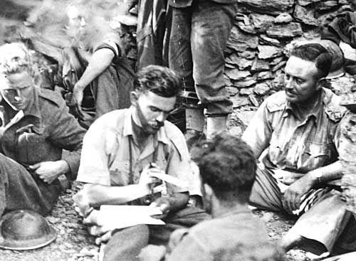 Γράφοντας στο σπίτι, Κρήτη, Μάιος 1941 - Writing home, Crete, May 1941