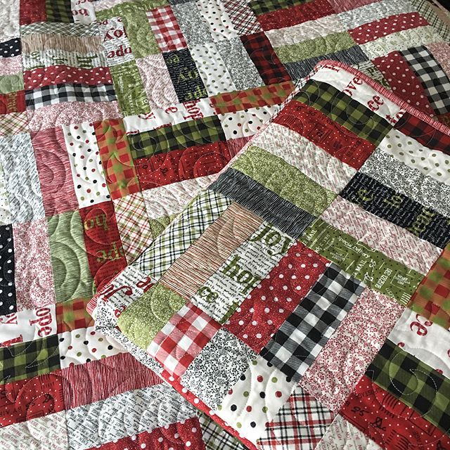 Jelly Roll Quilt Jellyroll Quilts Christmas Quilts Lap Quilt Patterns