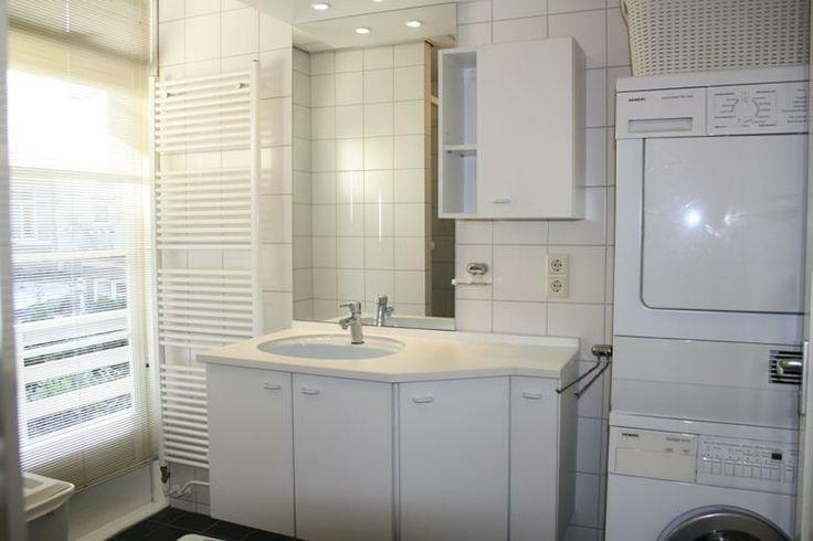 Badkamer met wasmachines