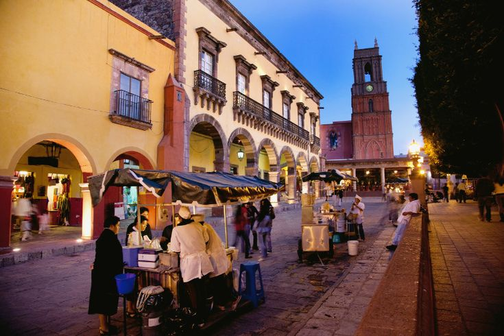 Street food in San Miguel de Allende. Image by Douglas Peebles / age fotostock / Getty Images