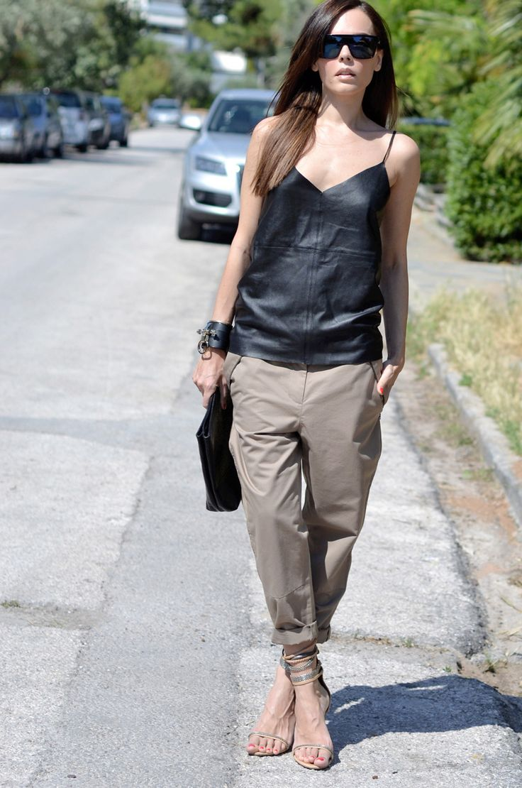 .: Casual Style, Khakis Trousers, Cargo Pants, Black Leather, Street Style, Leather Tops, Tanks Tops, Summer Outfits, Heels