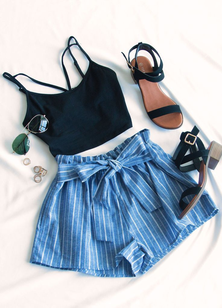 Festive Ready Stripe Shorts // Summer Outfit Inspo
