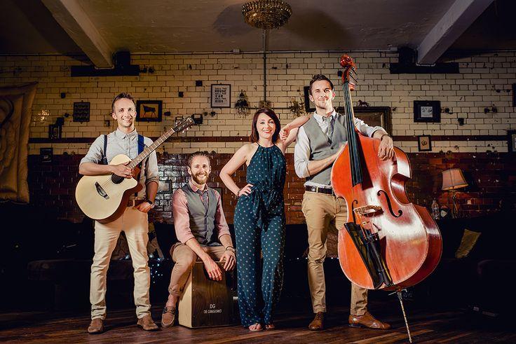 Acoustic Folk Band - Rose Avenue