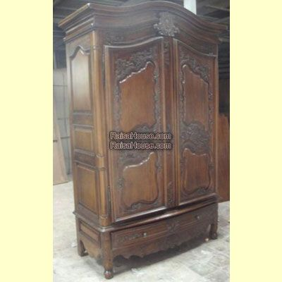 French Carved Armoire Refrence : RAR 020 Dimension : 0 x 0 x 0 cm Material : #WoodenMahogany Finishing : #Custom Buy this #Armoire for your #homeluxury, your #hotelproject, your #apartmentproject, your #officeproject or your #cafeproject with #wholesalefurniture price and 100% #exporterfurniture. This #FrenchCarvedArmoire has a #highquality of #AntiqueFurniture #WholesaleFurniture #GalleryFurniture #FurnitureManufacturer #FurnitureWarehouse #ReproductionFurniture