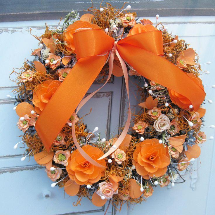 Oranžový+Větší+věneček+s+dýhovými+květy+a+sušinou,+průměr+32+cm.