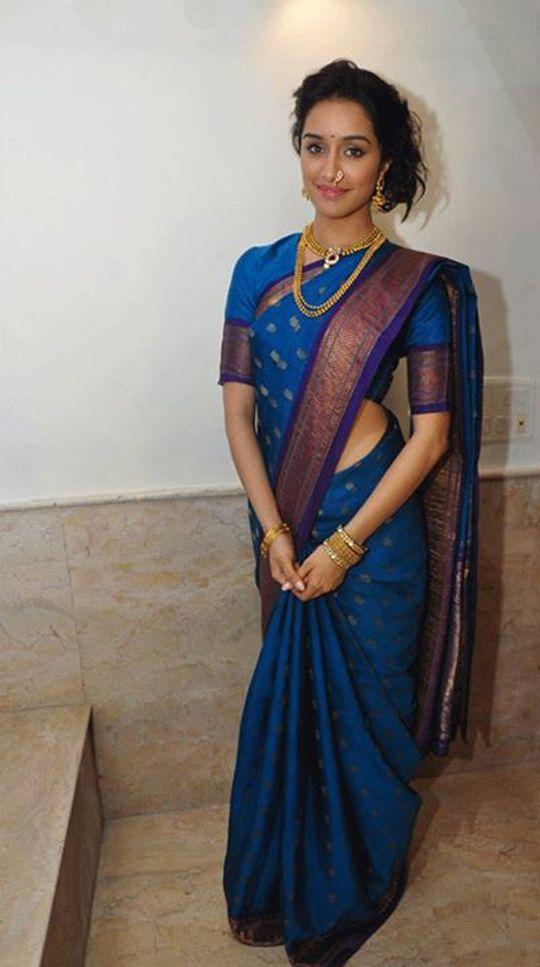 marathi girl in blue nauvari saree