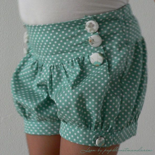 Shorts pattern for your little girl! Would look cute with tights for the fall!