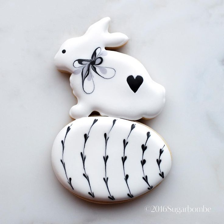 "Gefällt 166 Mal, 5 Kommentare - SUGARBOMBE (@sugarbombe_sugar) auf Instagram: ""New Cutter up on the site. Bunny Egg!!#sugarbombe, #sugarcookies, #decoratedcookies,…"""