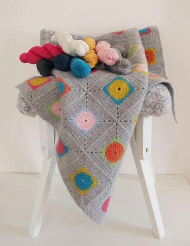 Luxury Granny Square Crochet Blanket Kit - 100% Soft Lambswool
