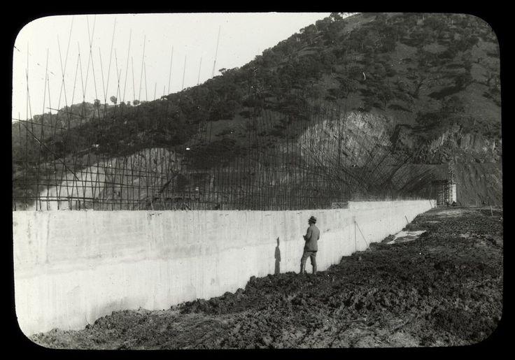 Construction of Sugarloaf Dam, now Eildon Reservoir