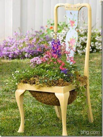 GARDENER repurposed & planted this CHAIR.