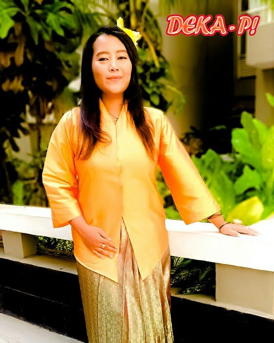 Feel the beauty of yourself   Kebaya Polos, bisa dikreasikan dengan keinginanmu 😍😍😍  Shop here :  www.tokopedia.com/deka-pi Www.shopee.com/DEKA_PI www.bukalapak.com/deka_pi   GO GRAB IT FAST!!!   #fashion #party #pesta #kondangan #kondanganootd #ootd #fashionblogger #fashiongram #style #dress #gaun #onlineshopping #jualbaju #fashionart #fashionable #womenfashion #fashionista #fashioncewek #fashionstyle #jualanku #ootdindonesia #jualbajumurah #renda #kebayarenda #kerancang #dharmawanita…