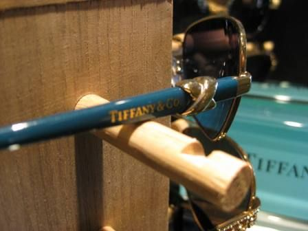 Some Tiffany Sunglasses cleverly use the interchangeable charms that have become so popular with the ladies in recent years.