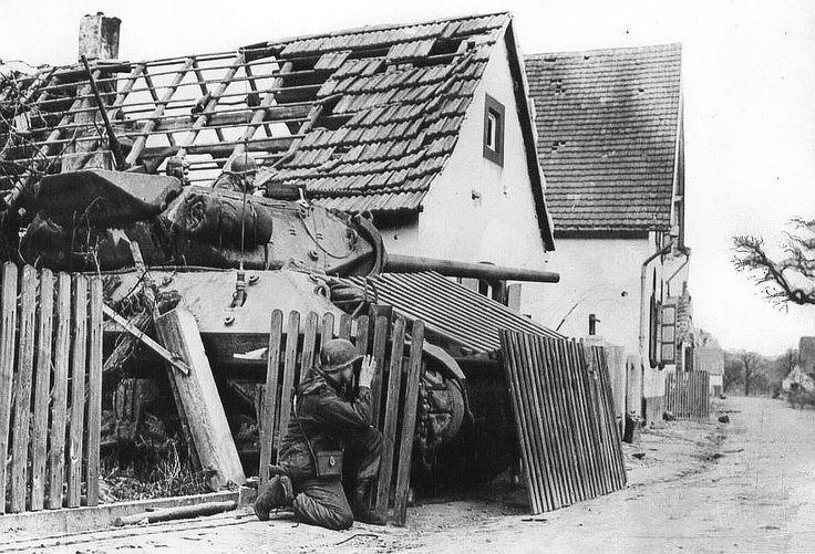 M10 tank destroyers ambushed