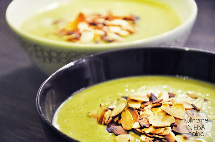 Cream of broccoli with roasted almonds and mascarpone