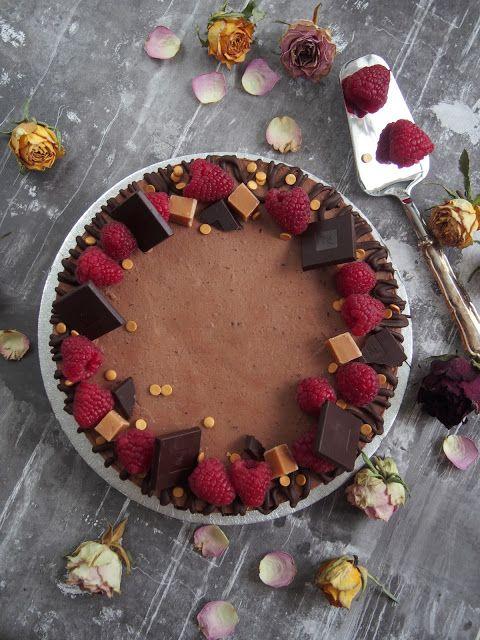 Täyteläinen vadelma-suklaamoussekakku // Dr. Sugar