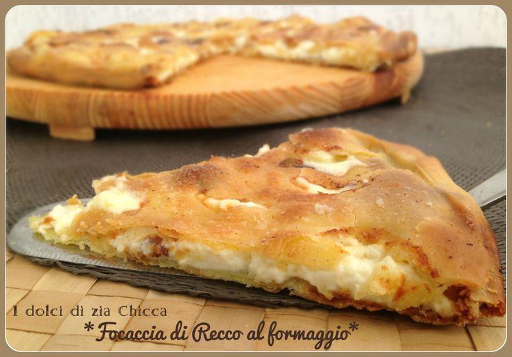 Focaccia al formaggio tipo Recco è una ricetta tipica della Liguria.E' fatta senza lievito e stesa sottile e farcita con tanto formaggio, buonissima.