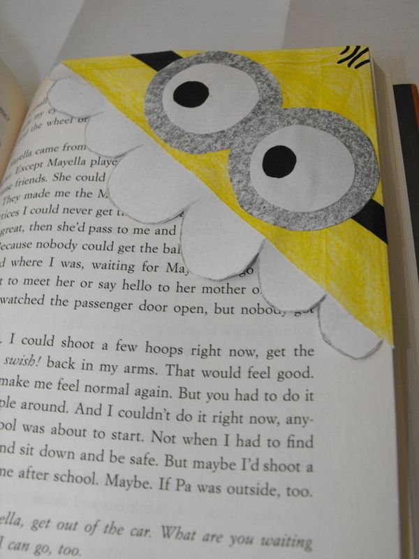 Diy Despicable Me Minion Bookmark - haha, so great! We got to see Despicable Me 2 in theatres (haven't done that in a while!) and it was good :)