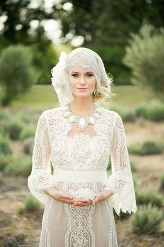 1920's inspired.  Repin by Inweddingdress.com  #weddingdresses