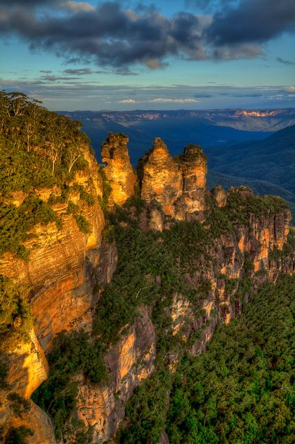 "The ""Three Sisters"" are undoubtedly the Blue Mountains' most famous landscape."